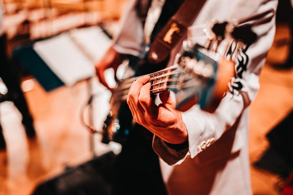 ganar dinero dando clases música